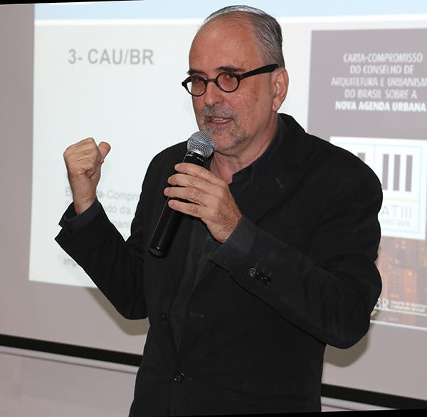 Para o presidente do CAU/PE, Roberto Montezuma, o grande desafio deste século é o desenvolvimento das cidades.