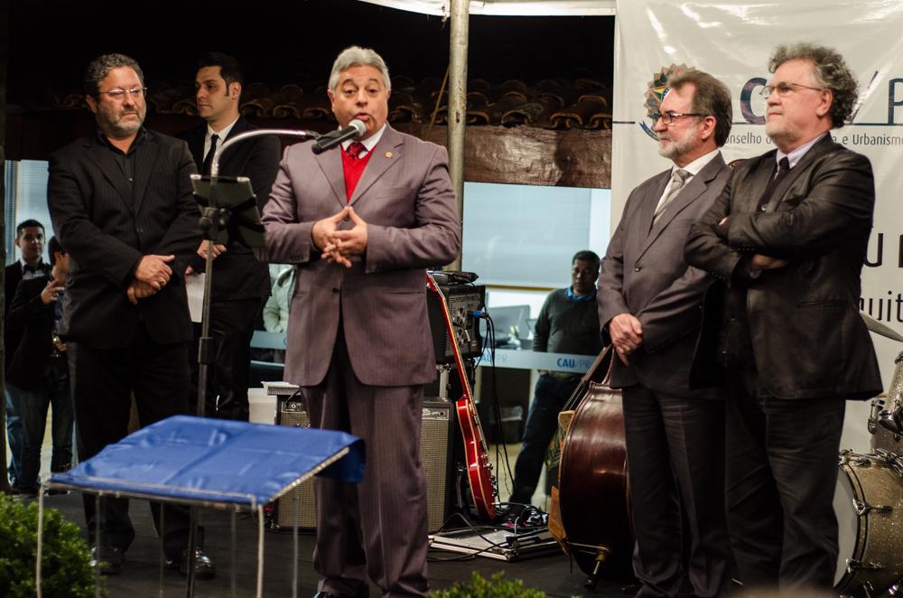 discurso de inauguração nova sede do cau paraná. Jeferson Dantas Navolar, Paulo Salamuni, Juraci Barbosa Sobrinho e Sérgio Póvoa Pires.