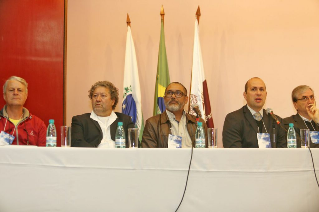A agenda de debates teve a participação de nomes engajados na discussão da política de habitação de interesse social (Foto: Franklin Freitas).